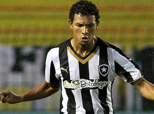 Willian Arão, do Flamengo, ainda não pagou valor de R$ 4 milhões ao Botafogo; dirigente explica