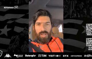 Luis Henrique ganha elogios e conselhos de Loco Abreu: 'Tomara que o destino e o tempo nos juntem no Botafogo'
