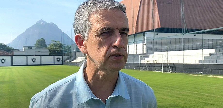 Manoel Renha diz que transição de Matheus Nascimento será feita aos poucos no grupo profissional do Botafogo
