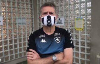 Técnico do Botafogo diz que ameaça de clubes a jogadores por volta do futebol foi 'escancarada' no Rio