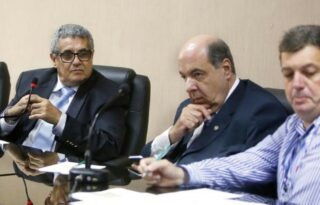 Presidente do Botafogo faz cobrança a Rubens Lopes e classifica pressões por retorno como 'absurdo'