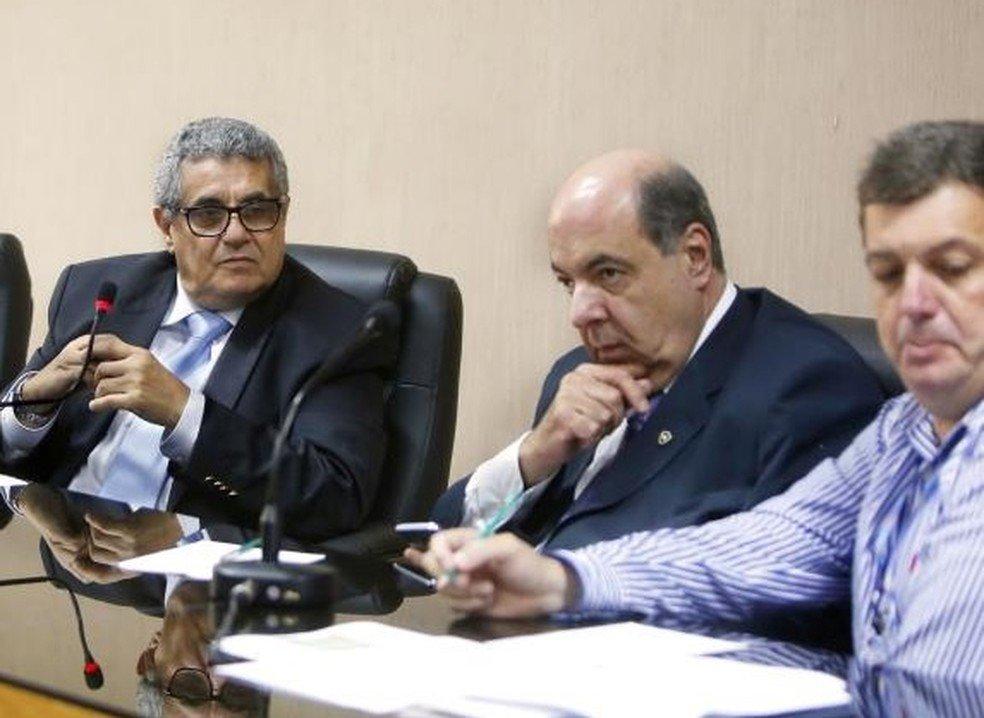 Rubens Lopes, presidente da Ferj, e Nelson Mufarrej, presidente do Botafogo, em reunião do Conselho Arbitral