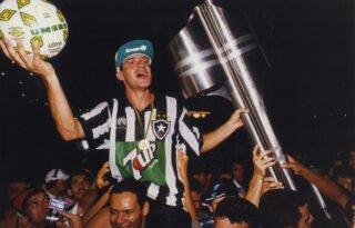 Para não chocar com a Globo, Band muda e não irá repetir Botafogo x Santos pelo Brasileiro de 1995