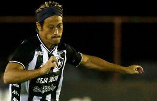 Autuori elogia Honda, revela motivo de substituição e minimiza reação no empate do Botafogo