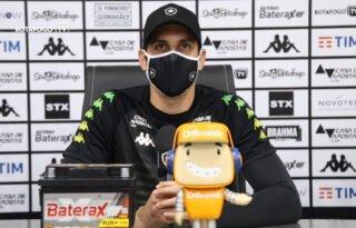 Gatito vê Botafogo mais maduro com reforços e aposta na mescla da juventude com experiência: 'Bom caminho'