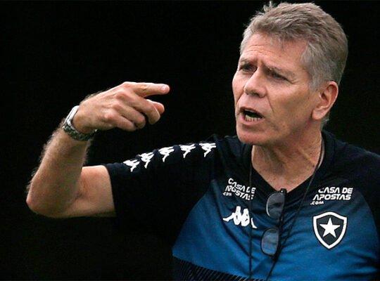 Autuori cobra salários em dia no Botafogo e confia em mudança em breve: 'Foi uma das minhas exigências'