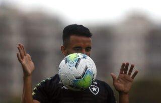 Caio Alexandre recorda início de 2020 no 'time B' do Botafogo e exalta Autuori: 'Cara sensacional'
