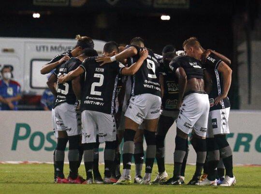 ATUAÇÕES FN:  Pedro Raul é o melhor em vitória do Botafogo sobre Coritiba; Forster e Cícero surpreendem