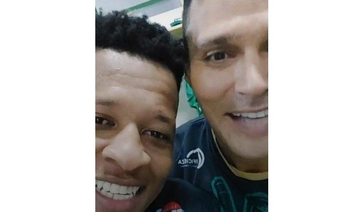 Gustavo Bochecha e Emerson Santos, ex-Botafogo, sobem para Série A do Campeonato Brasileiro 2021 com o Juventude
