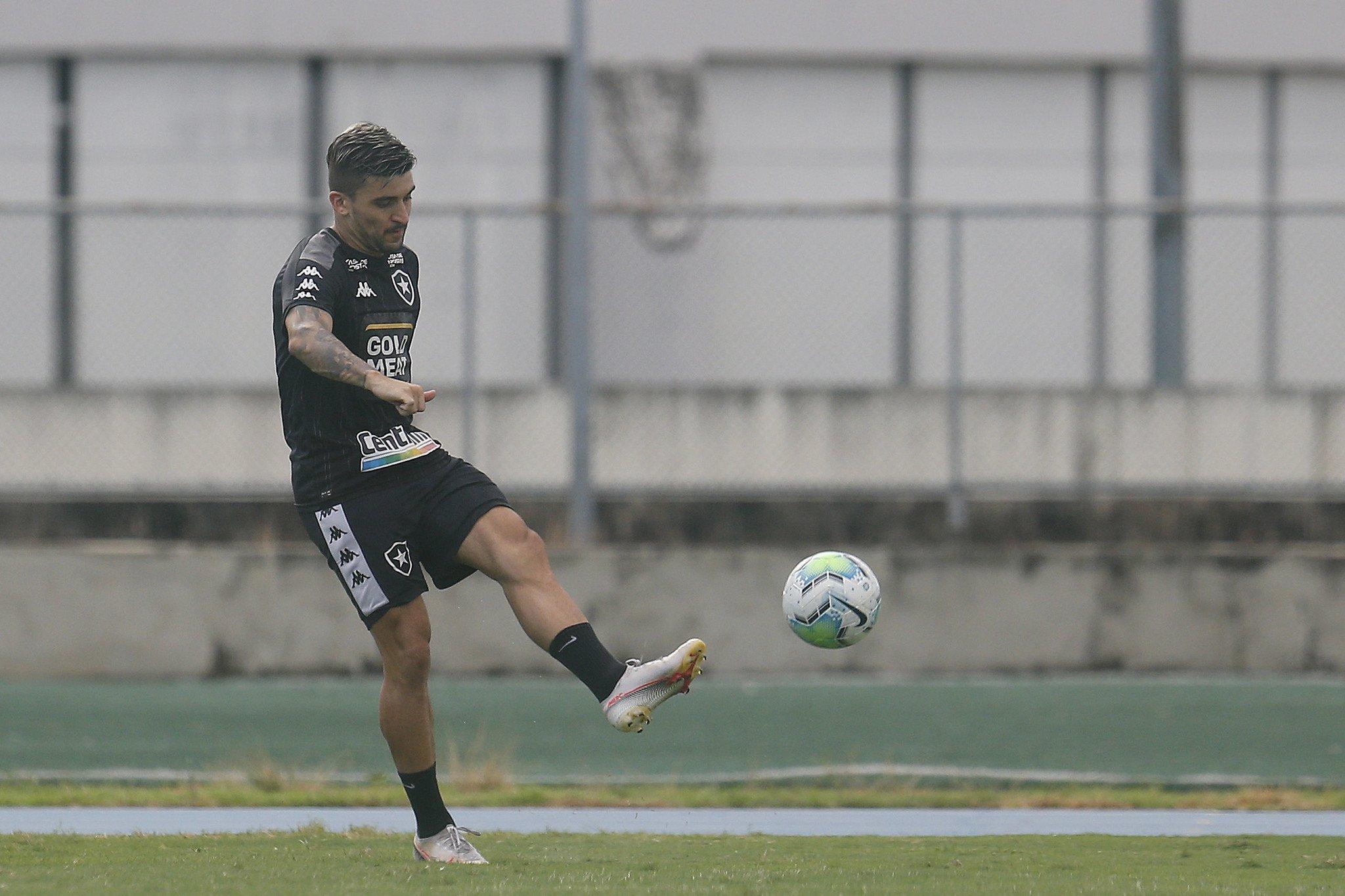 Victor Luis - Treino do Botafogo