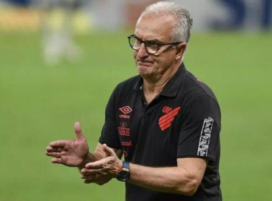 Procurado, técnico Dorival Júnior descarta assumir Botafogo