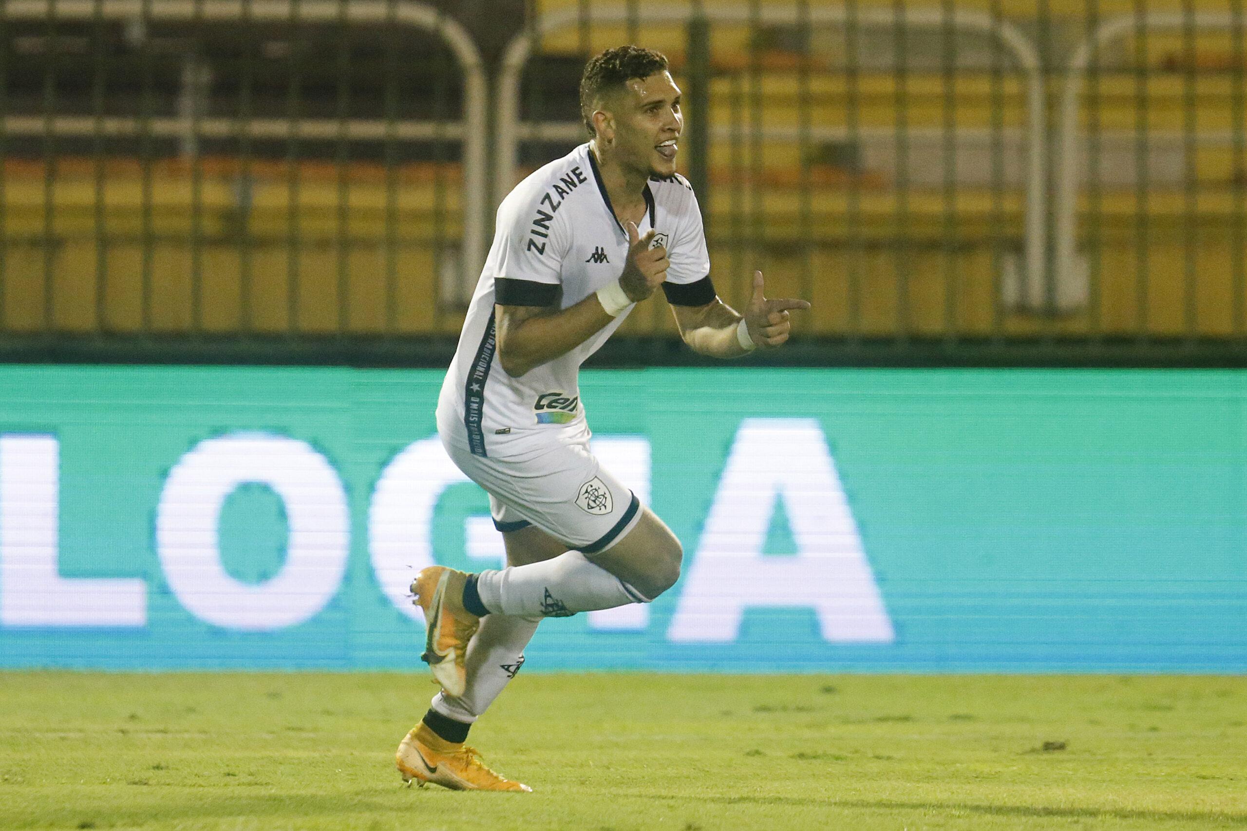 Rafael Navarro mostrou qualidades quando foi acionado (FOTO: Vitor Silva/Botafogo)
