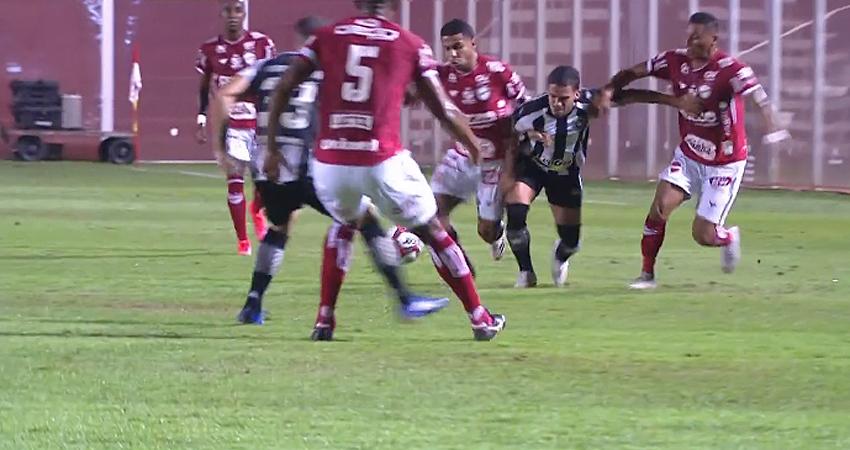 Marco Antônio em Vila Nova x Botafogo   Série B do Campeonato Brasileiro 2021