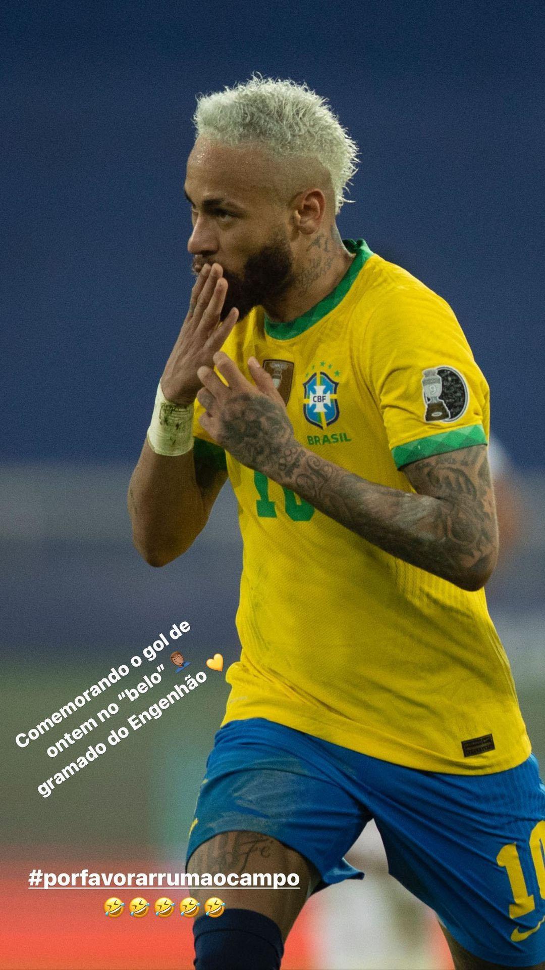 Postagem de Neymar reclamando do gramado do Estádio Nilton Santos