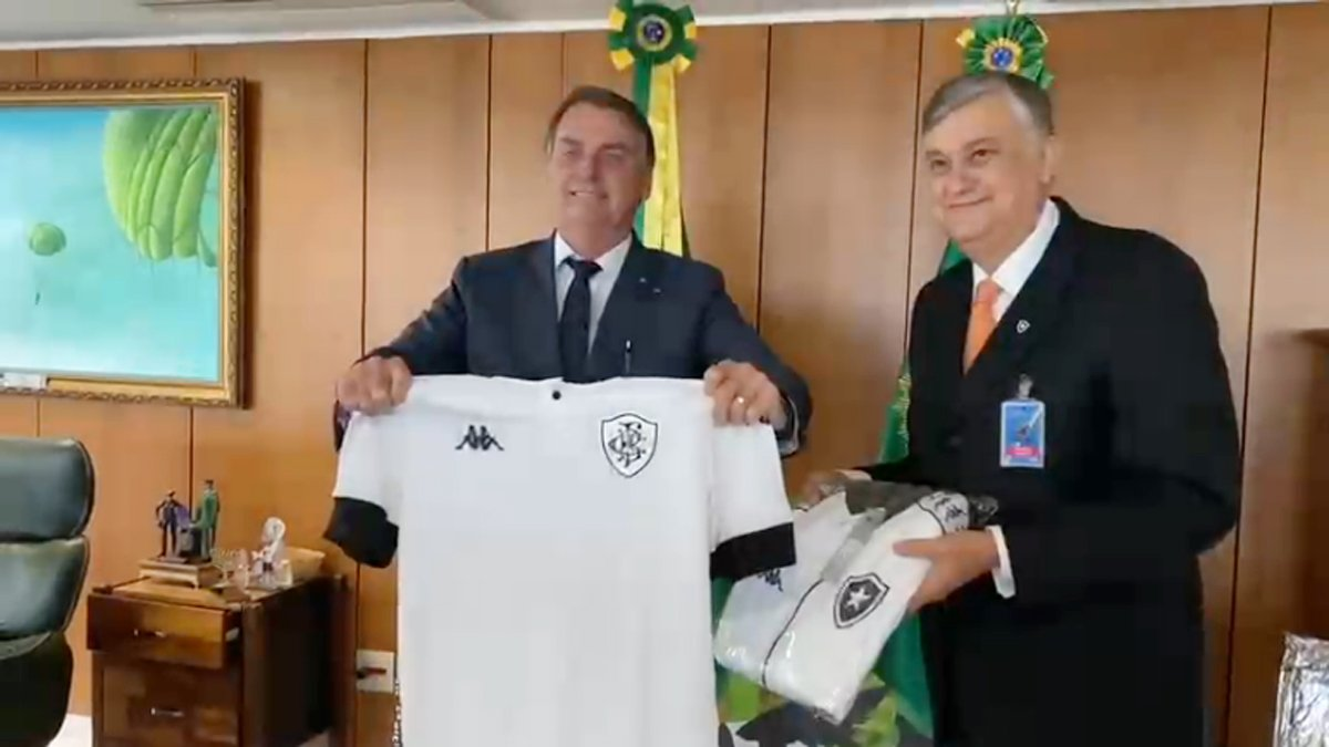Jair Bolsonaro e Durcesio Mello, presidente do Botafogo