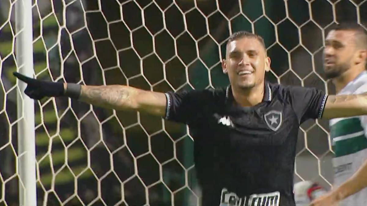 Rafael Navarro em Coritiba x Botafogo | Série B do Campeonato Brasileiro 2021